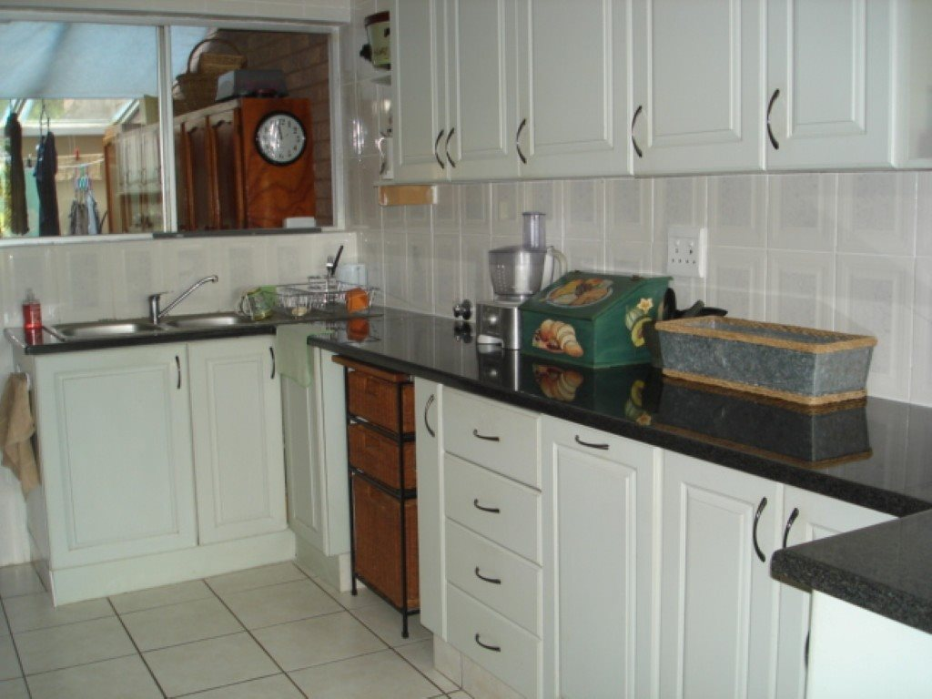 Southport property for sale. Ref No: 13454174. Picture no 18