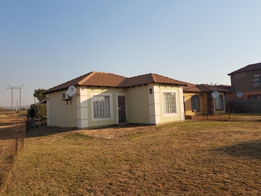 Property and Houses for sale in Rosslyn, House, 2 Bedrooms - ZAR 465,000