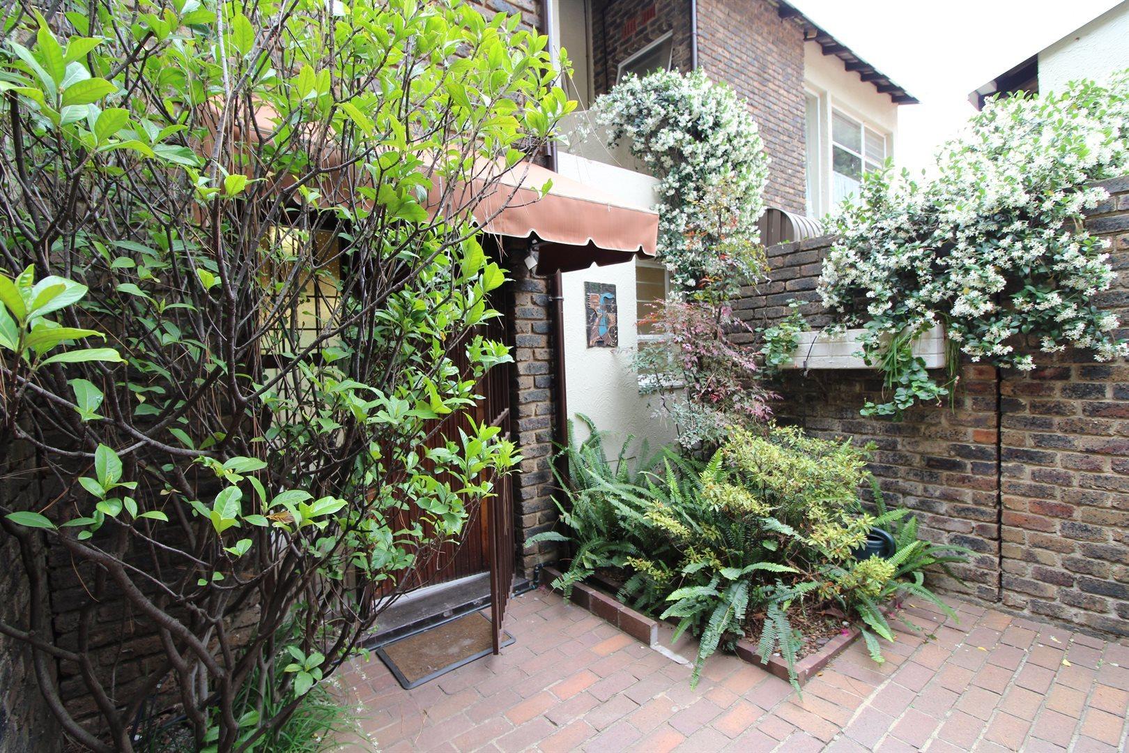 Bryanston property for sale. Ref No: 13552406. Picture no 6