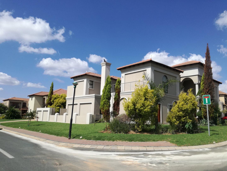 Centurion, Blue Valley Golf Estate Property  | Houses To Rent Blue Valley Golf Estate, Blue Valley Golf Estate, House 6 bedrooms property to rent Price:, 30,00*