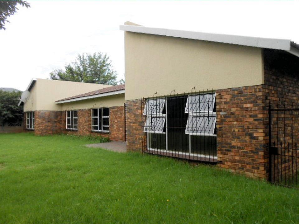 Meyerton Central property for sale. Ref No: 13442379. Picture no 2