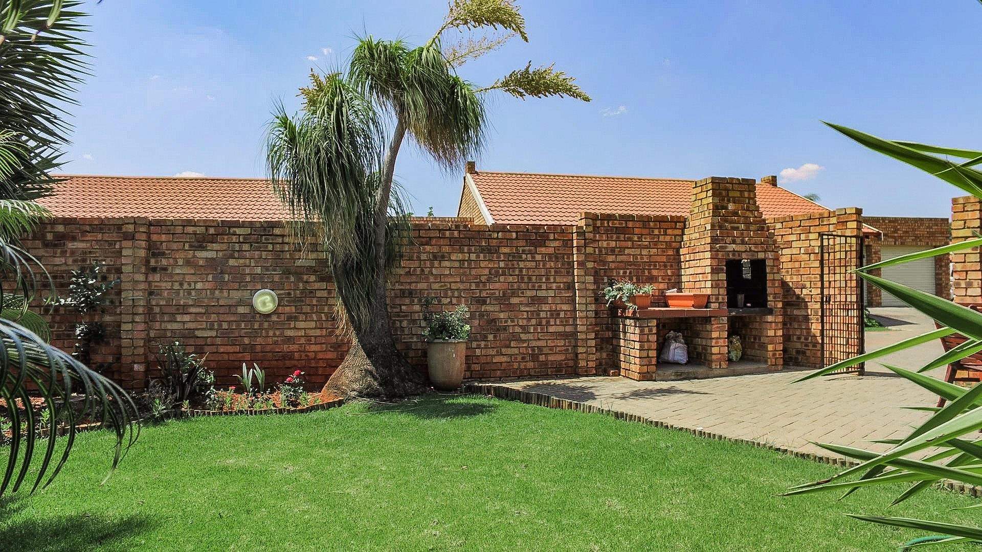 Highveld property for sale. Ref No: 13542050. Picture no 7