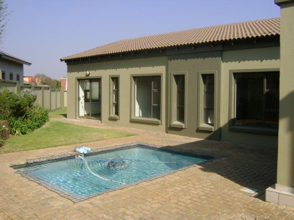 Property and Houses to rent in Gauteng, House, 3 Bedrooms - ZAR , 26,00*,M