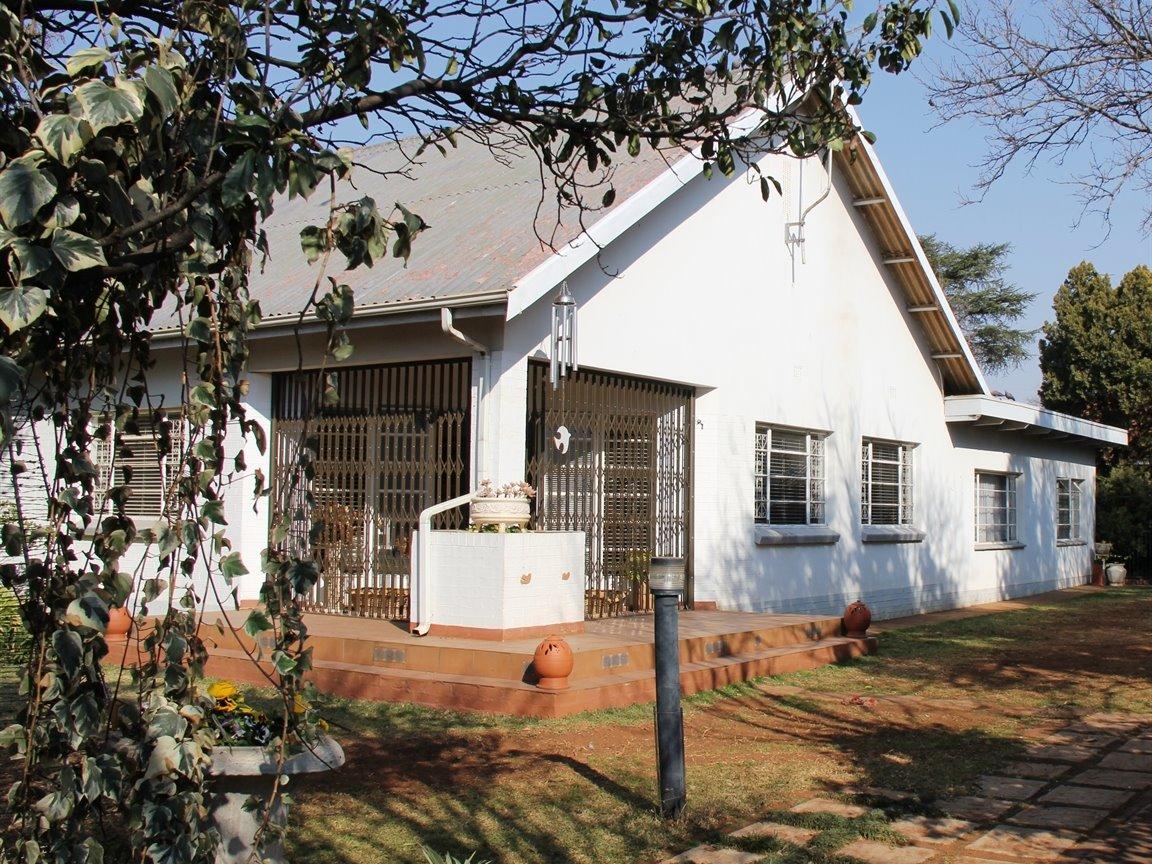 Potchefstroom, Potchefstroom Property  | Houses For Sale Potchefstroom, Potchefstroom, Commercial 4 bedrooms property for sale Price:2,995,000