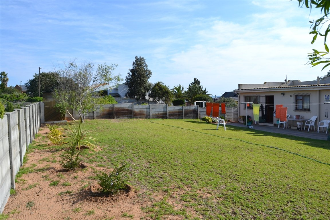 Lamberts Bay property for sale. Ref No: 13363306. Picture no 24