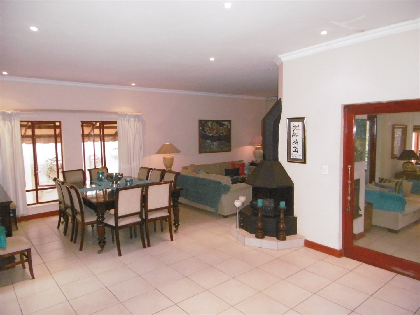 Bryanston property for sale. Ref No: 13464144. Picture no 20