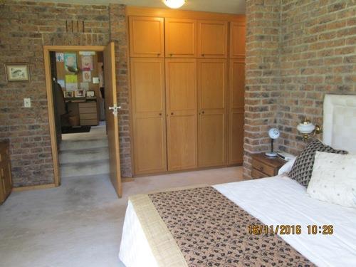 Glenvista property for sale. Ref No: 13525322. Picture no 12