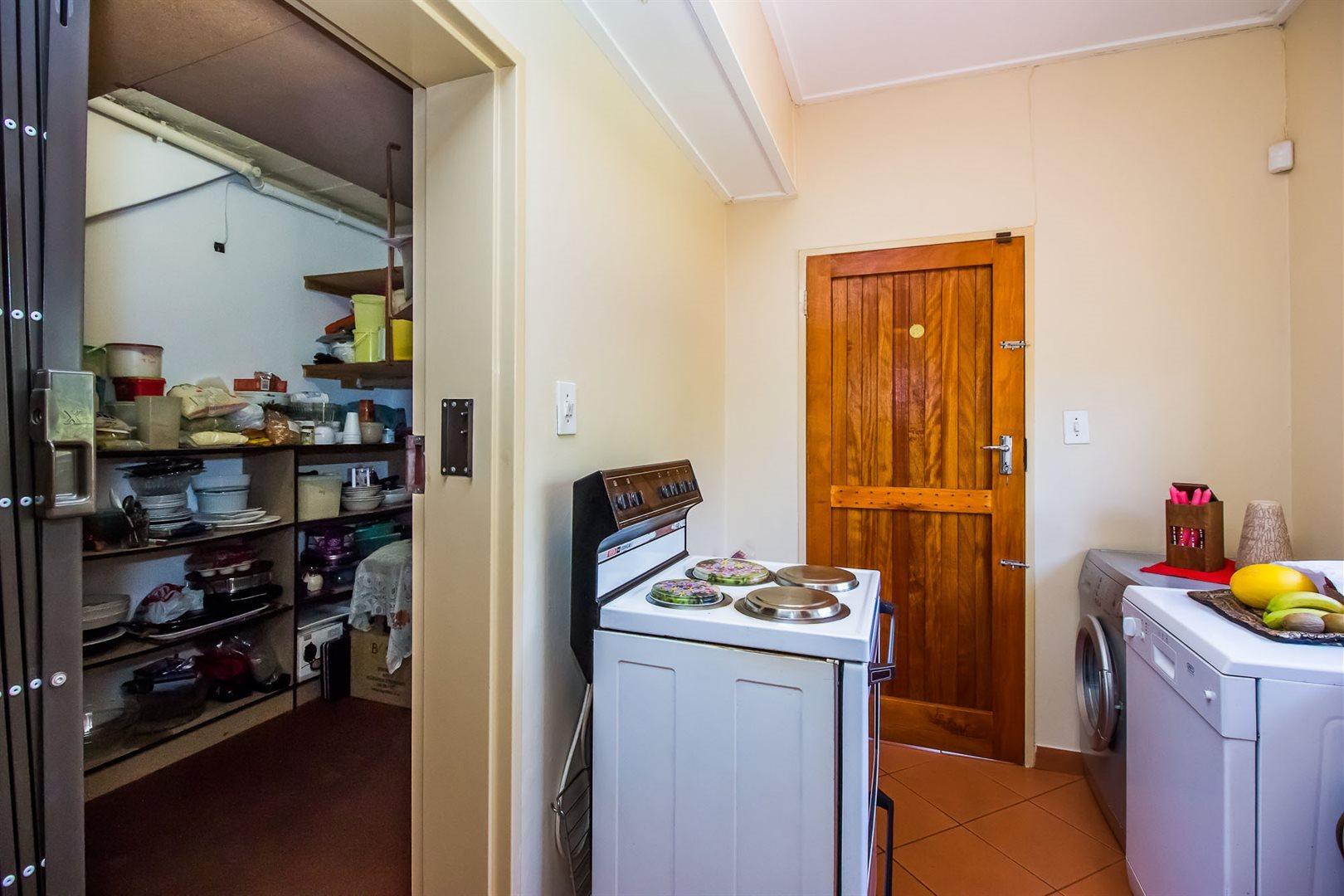 Elarduspark property for sale. Ref No: 13553870. Picture no 7