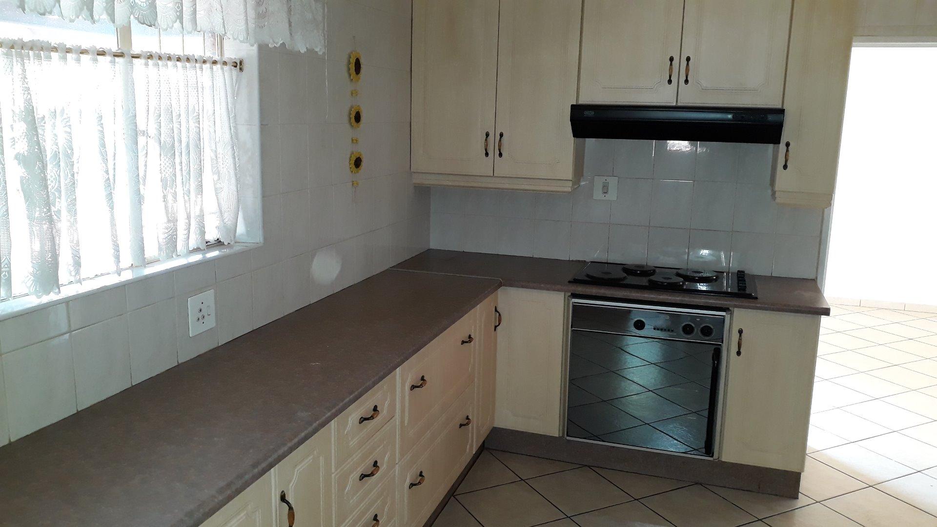 Culemborg Park property for sale. Ref No: 13622966. Picture no 9