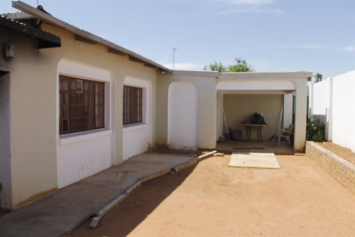 Krugersdorp West property for sale. Ref No: 13394321. Picture no 16