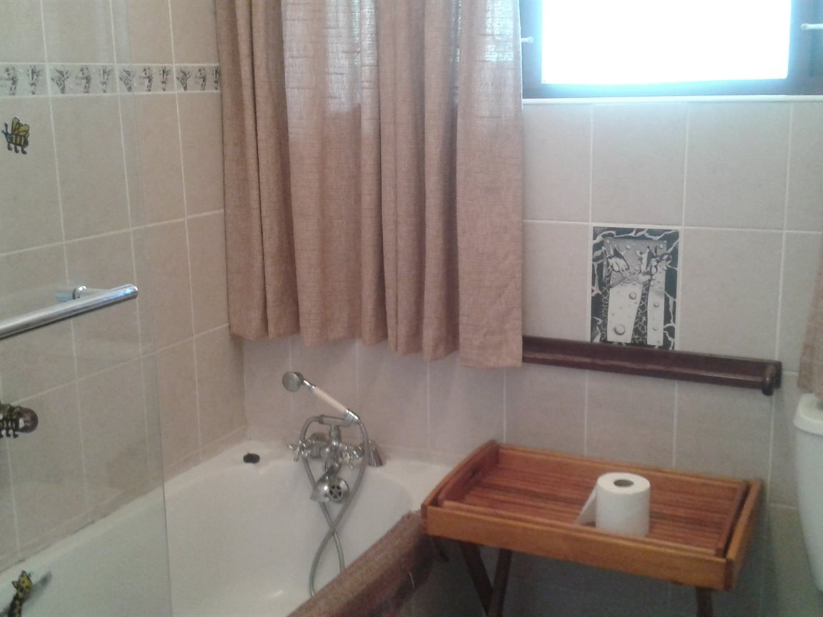 Shelly Beach property for sale. Ref No: 12794067. Picture no 8