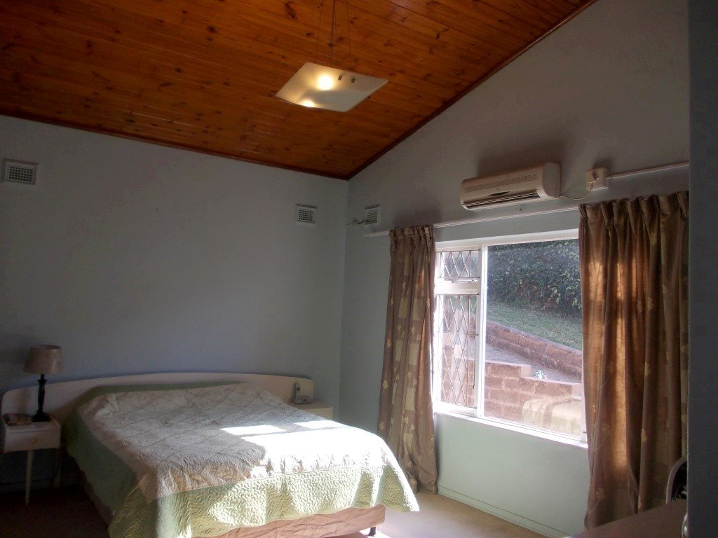 Shelly Beach property for sale. Ref No: 13229990. Picture no 22