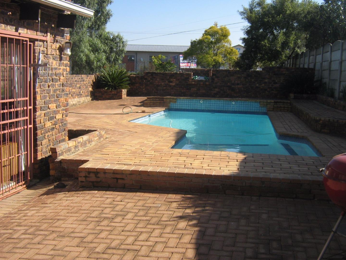 Suideroord property for sale. Ref No: 13525770. Picture no 1