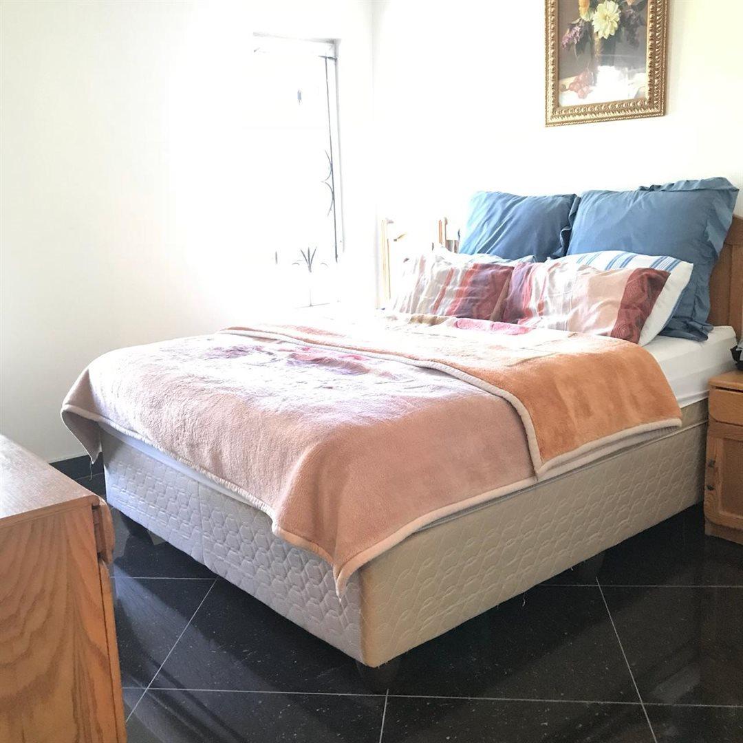 Brackenham property for sale. Ref No: 13586697. Picture no 8