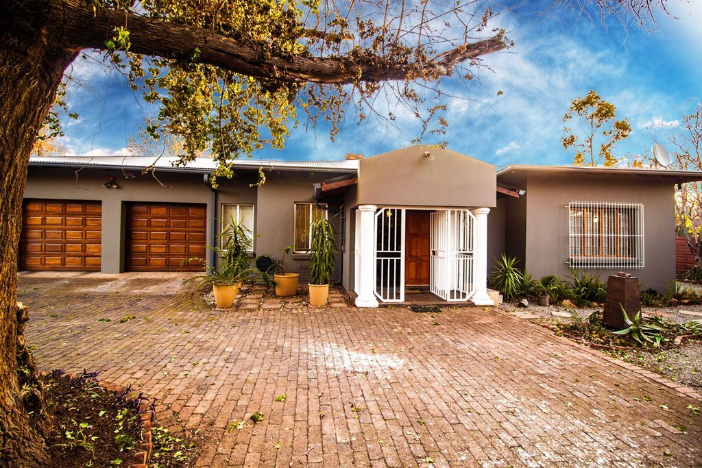 Centurion, Clubview Property  | Houses For Sale Clubview, Clubview, House 3 bedrooms property for sale Price:2,300,000