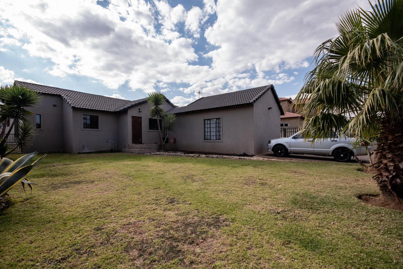 , House, 3 Bedrooms - ZAR 1,299,999