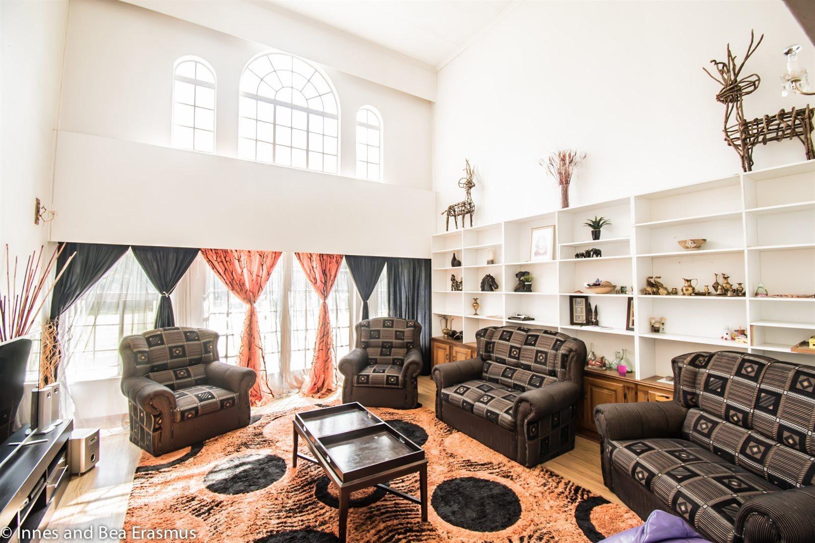 Van Der Westhuizen property for sale. Ref No: 12728959. Picture no 13