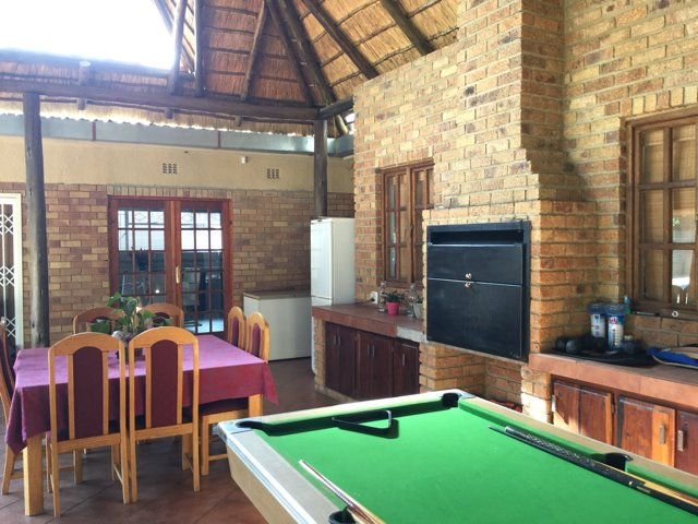 Three Rivers East property for sale. Ref No: 13401710. Picture no 14