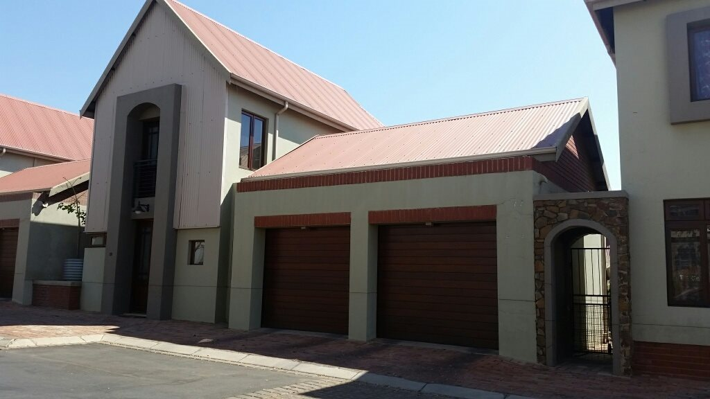 Centurion, Heritage Hill Property  | Houses For Sale Heritage Hill, Heritage Hill, Townhouse 3 bedrooms property for sale Price:1,998,000