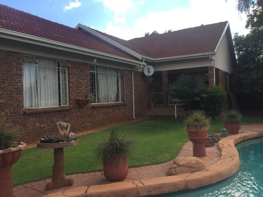 Pretoria, Florauna Property  | Houses For Sale Florauna, Florauna, House 5 bedrooms property for sale Price:1,845,000