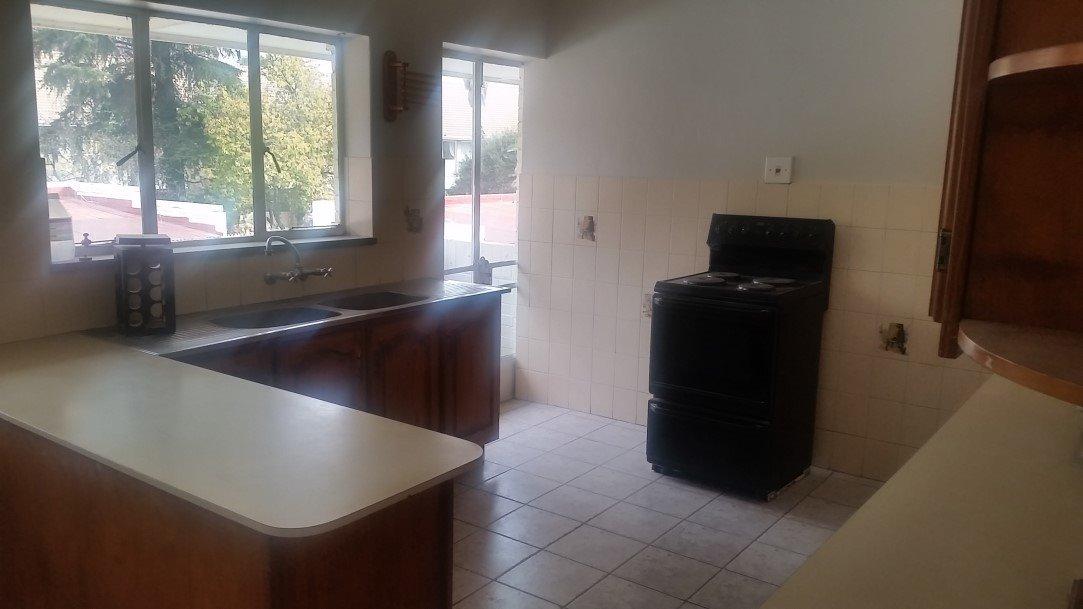 Three Rivers Proper property for sale. Ref No: 13230267. Picture no 3