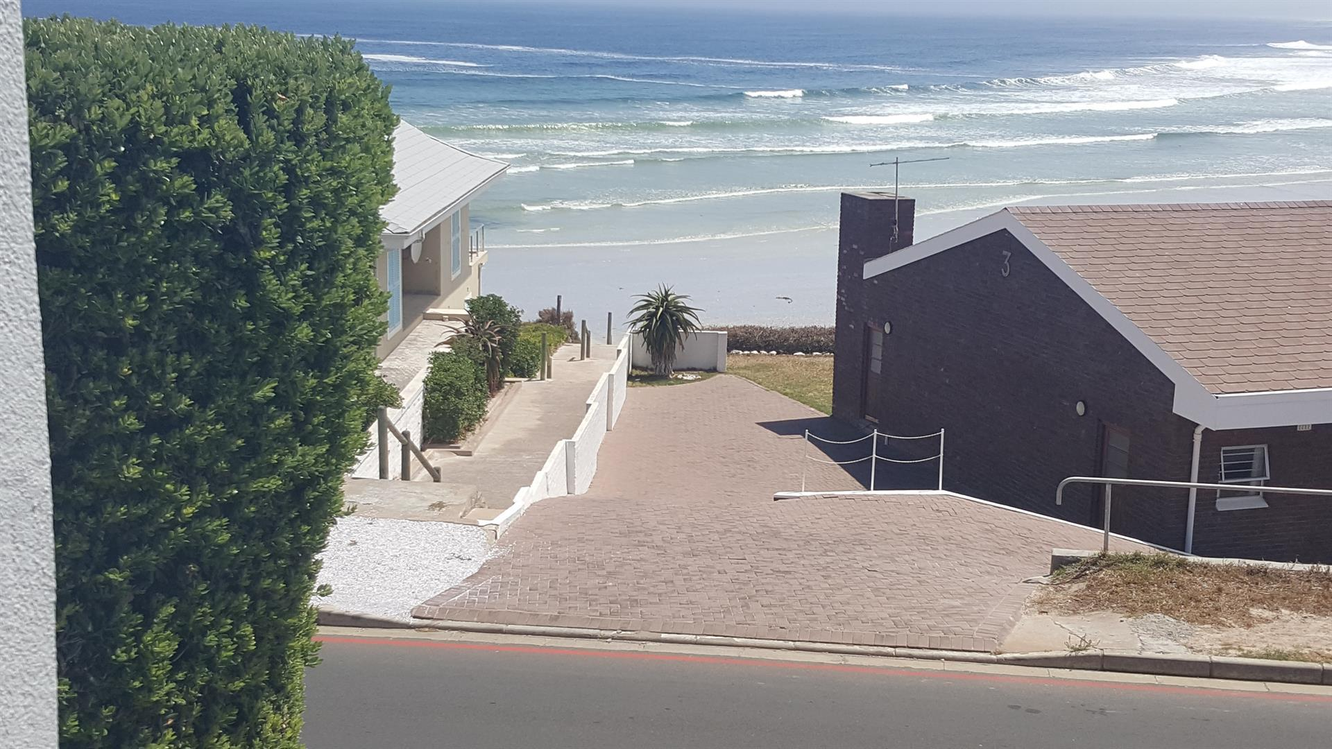 Yzerfontein property for sale. Ref No: 13454155. Picture no 5