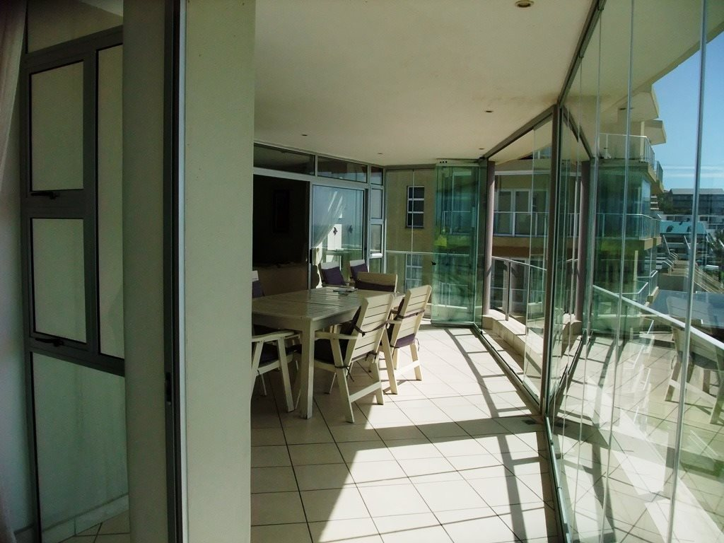 Margate property for sale. Ref No: 12775383. Picture no 8