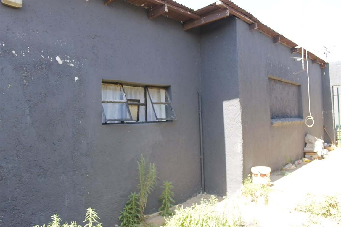 Krugersdorp West property for sale. Ref No: 13394321. Picture no 15