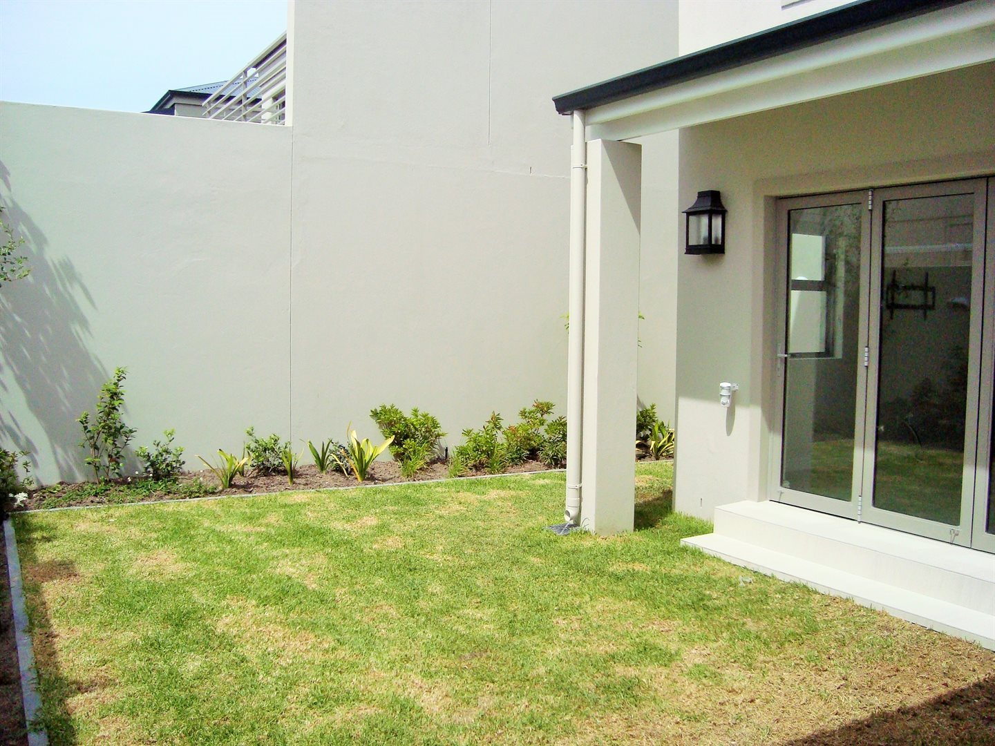 Claremont property to rent. Ref No: 13575482. Picture no 9