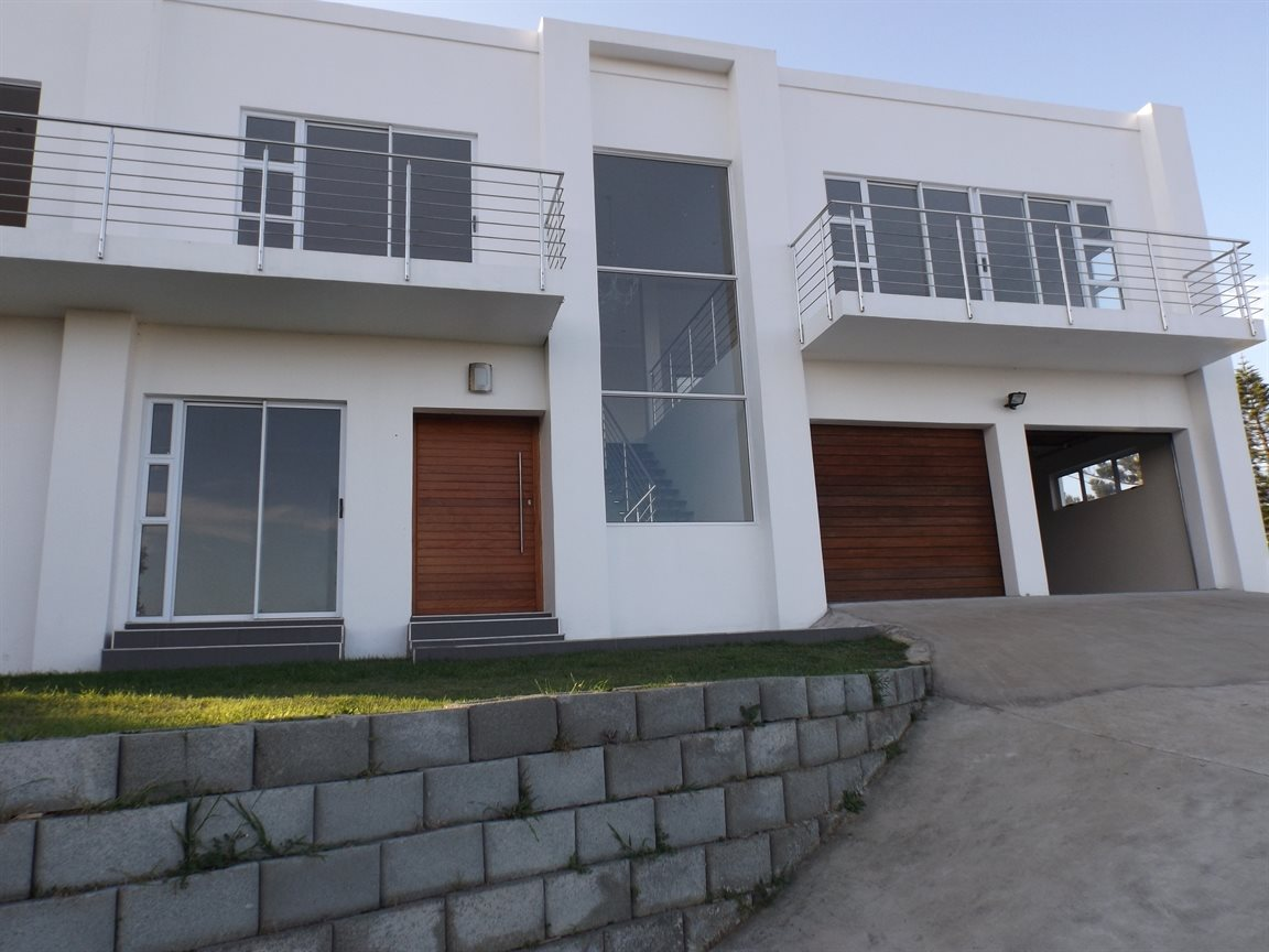 Beacon Bay property for sale. Ref No: 13362713. Picture no 27