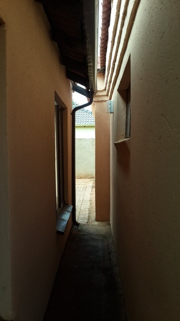 The Orchards property to rent. Ref No: 13571412. Picture no 15