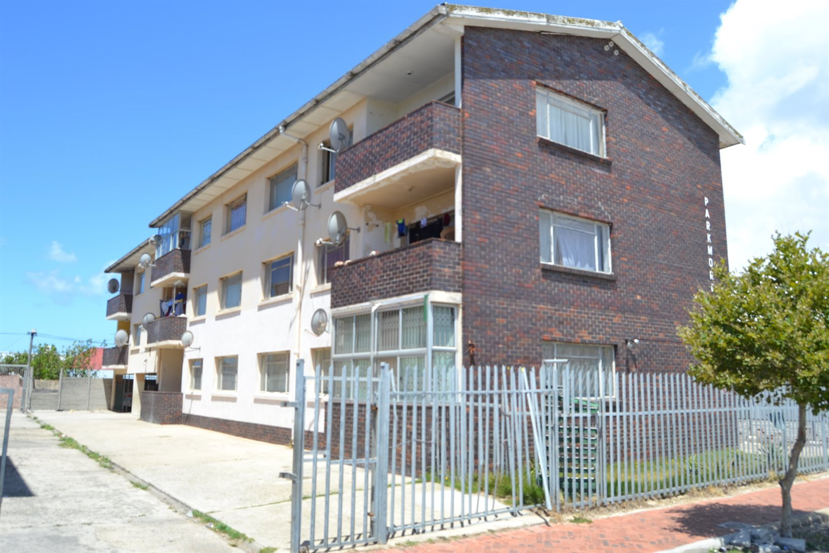 Port Elizabeth, North End Property  | Houses For Sale North End, North End, Apartment 2 bedrooms property for sale Price:350,000