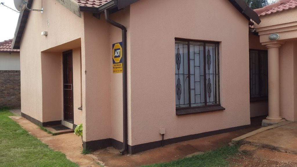 The Orchards property to rent. Ref No: 13571412. Picture no 5