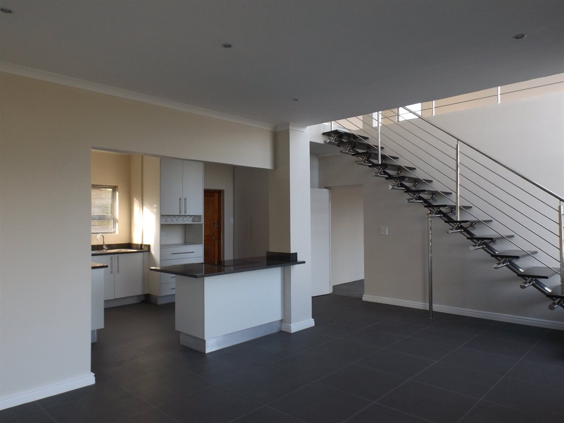 Beacon Bay property for sale. Ref No: 13362713. Picture no 6