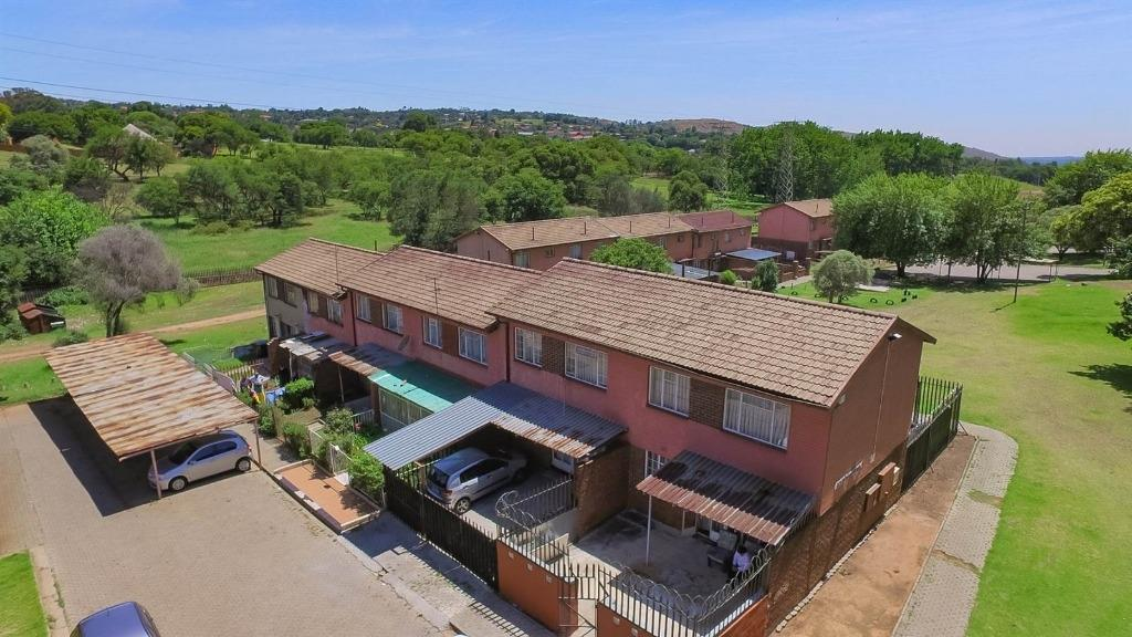 Johannesburg, Bezuidenhout Valley Property  | Houses For Sale Bezuidenhout Valley, Bezuidenhout Valley, Townhouse 3 bedrooms property for sale Price:546,000