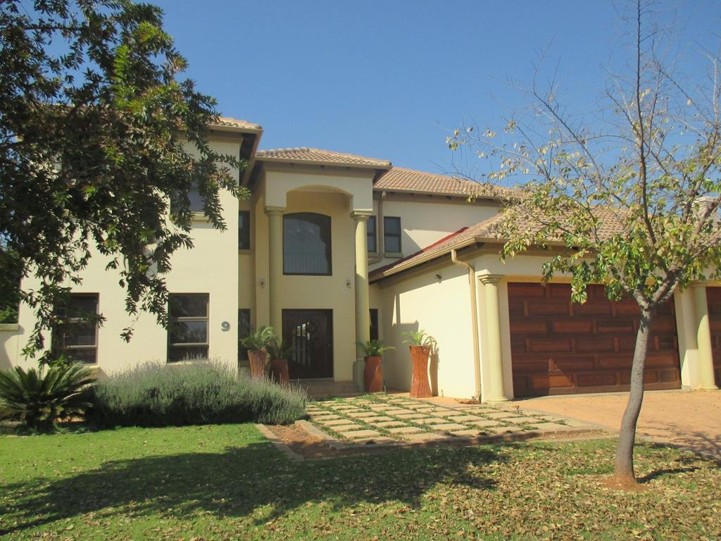 Property and Houses for sale in Midfield Estate, House, 5 Bedrooms - ZAR 4,600,000