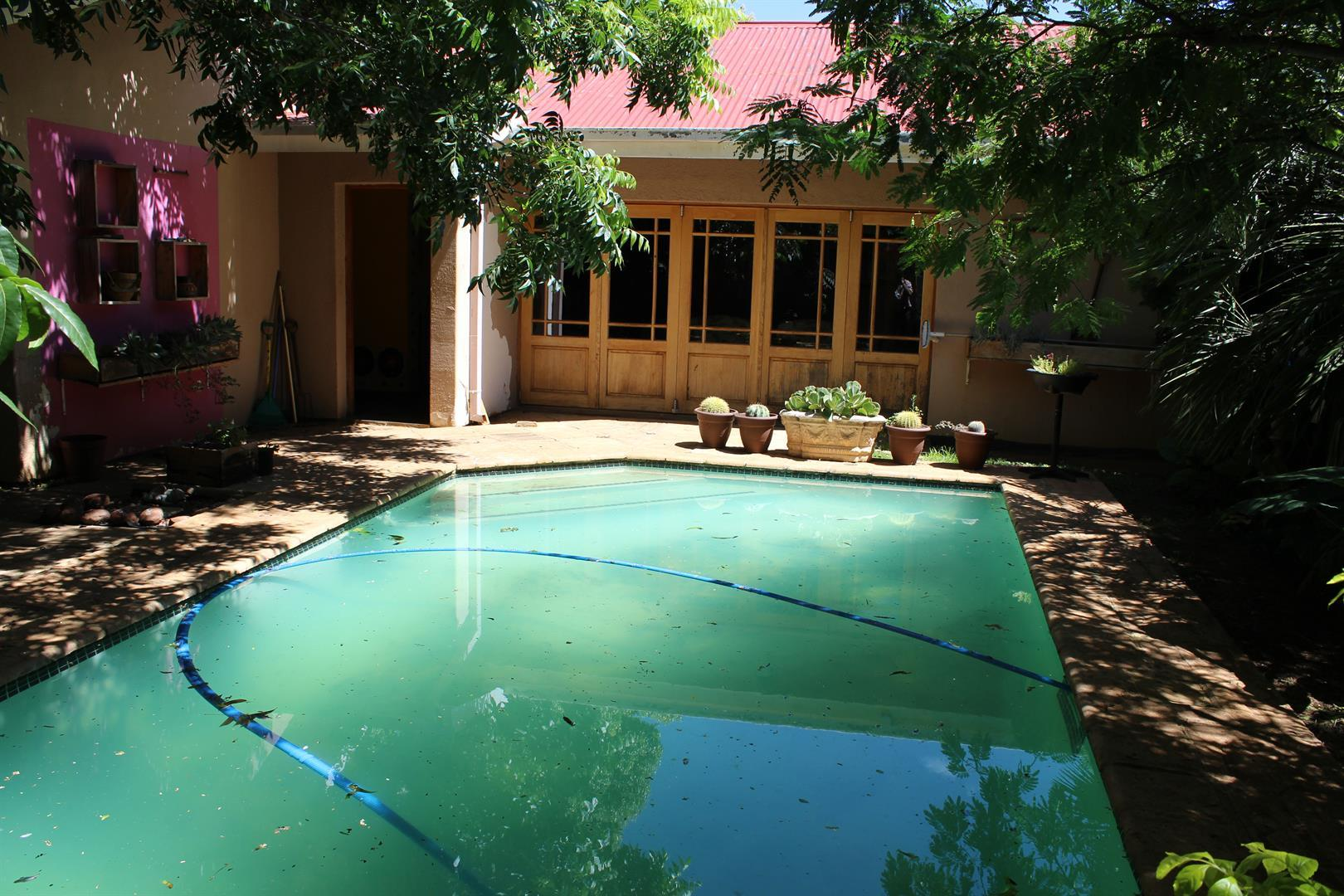Potchefstroom property for sale. Ref No: 13433840. Picture no 13