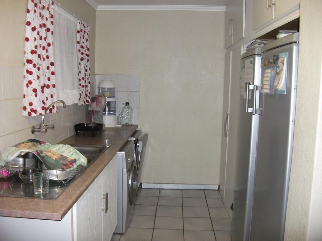 Lyttelton Manor property for sale. Ref No: 13401707. Picture no 9