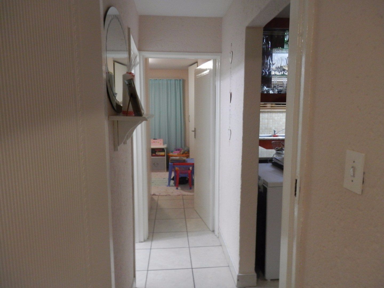 Mondeor property for sale. Ref No: 13566294. Picture no 7