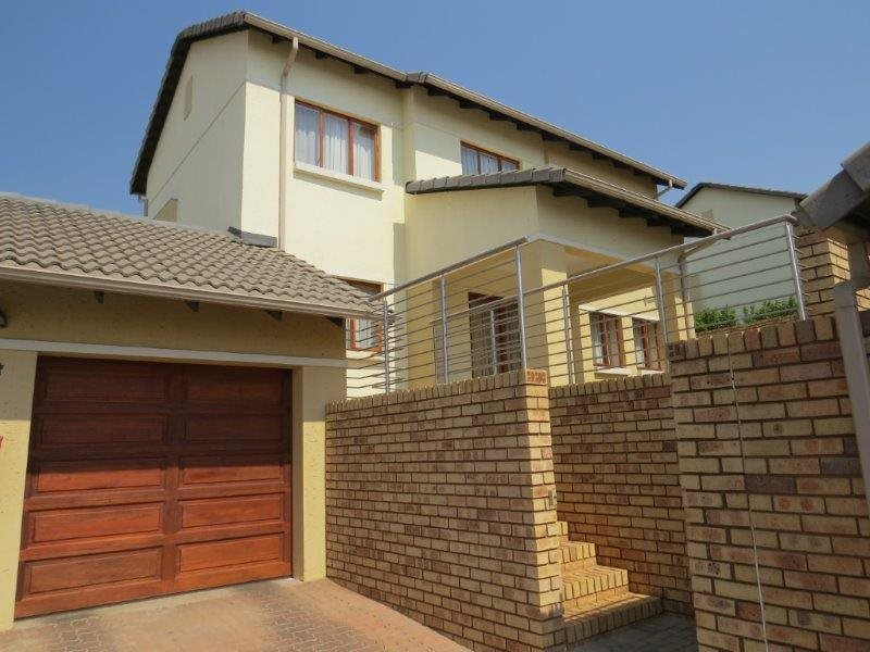 Centurion, Eldo Village Estate Property  | Houses For Sale Eldo Village Estate, Eldo Village Estate, Townhouse 3 bedrooms property for sale Price:2,090,000