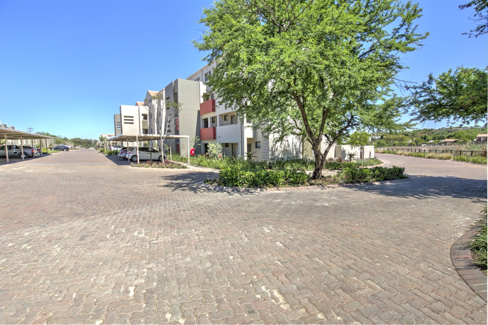 Fourways property for sale. Ref No: 13542245. Picture no 11