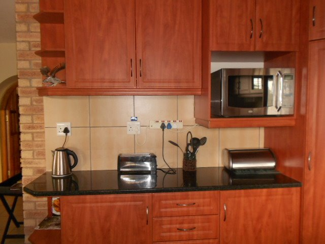 Astra Park property to rent. Ref No: 13523728. Picture no 3