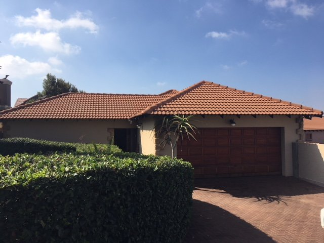 Property and Houses for sale in Irene View Estate, House, 3 Bedrooms - ZAR 2,400,000