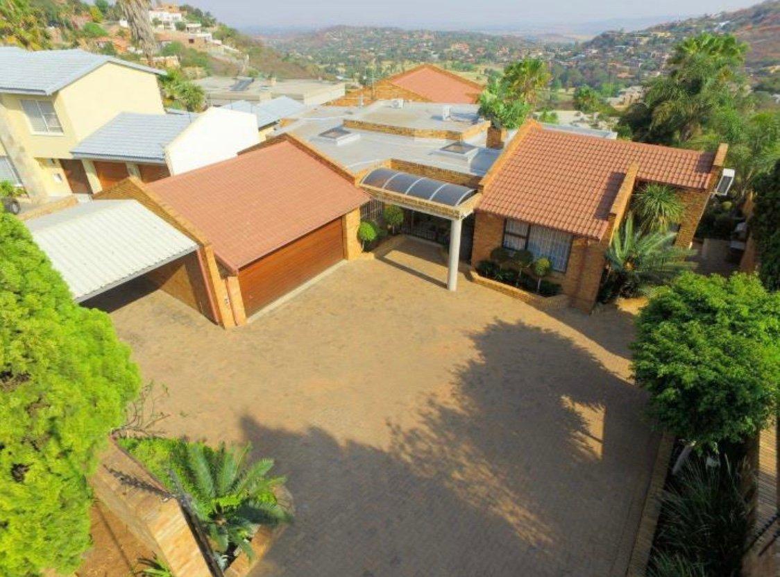 , House, 4 Bedrooms - ZAR 4,395,000