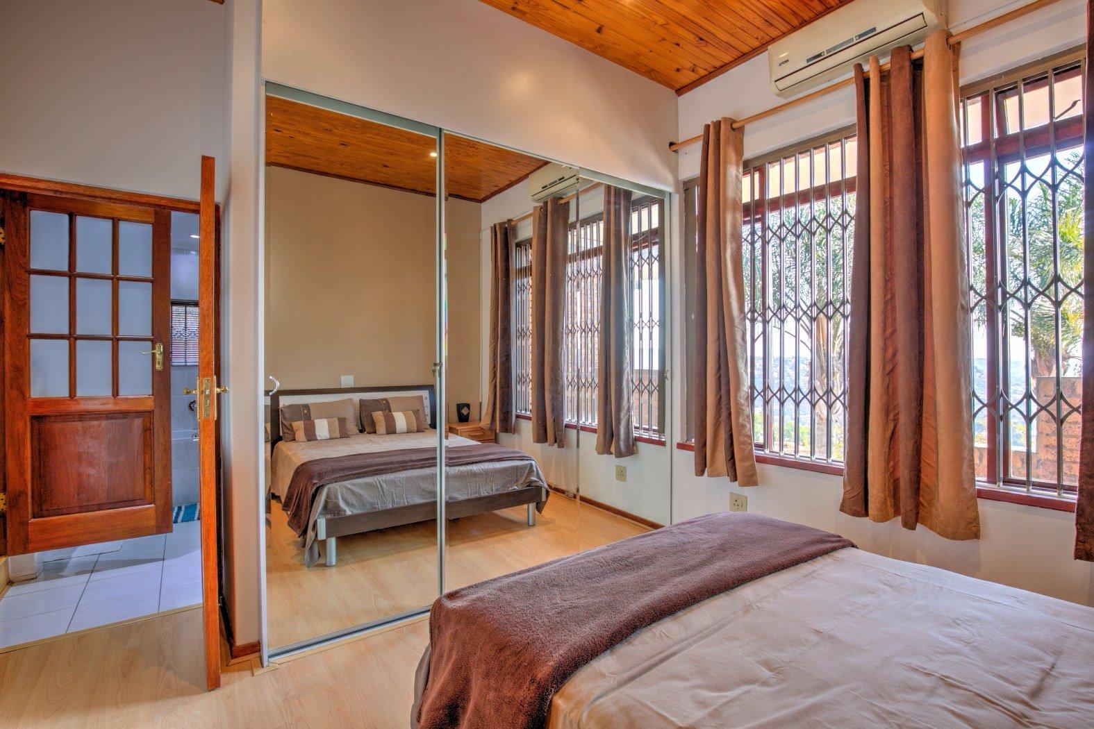 Bassonia property for sale. Ref No: 13506595. Picture no 8
