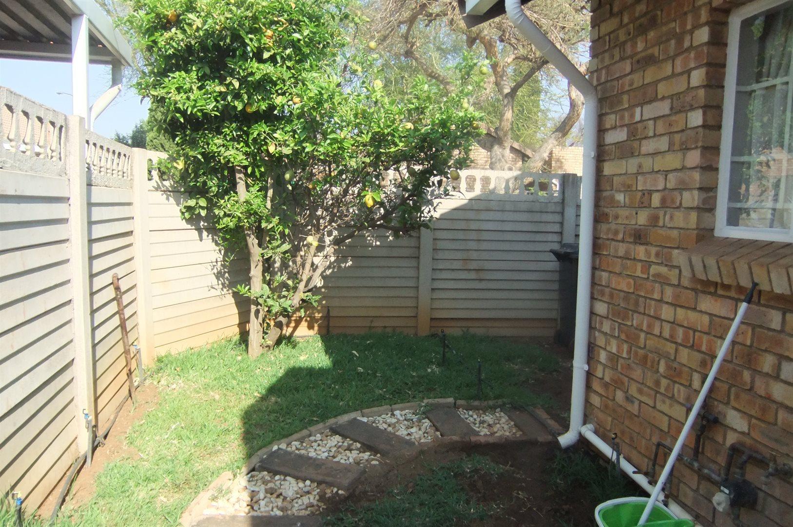 Doornpoort property for sale. Ref No: 13529208. Picture no 17