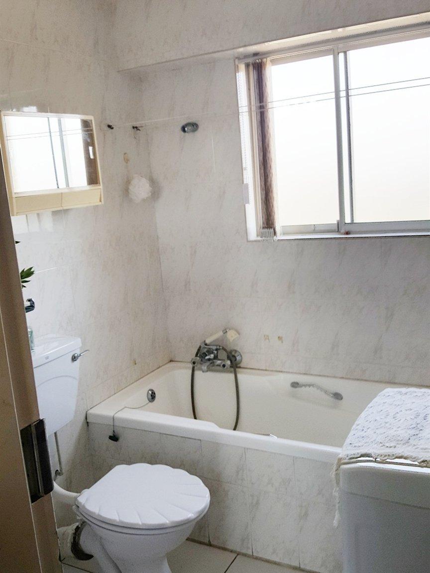 Amanzimtoti property for sale. Ref No: 13398813. Picture no 4