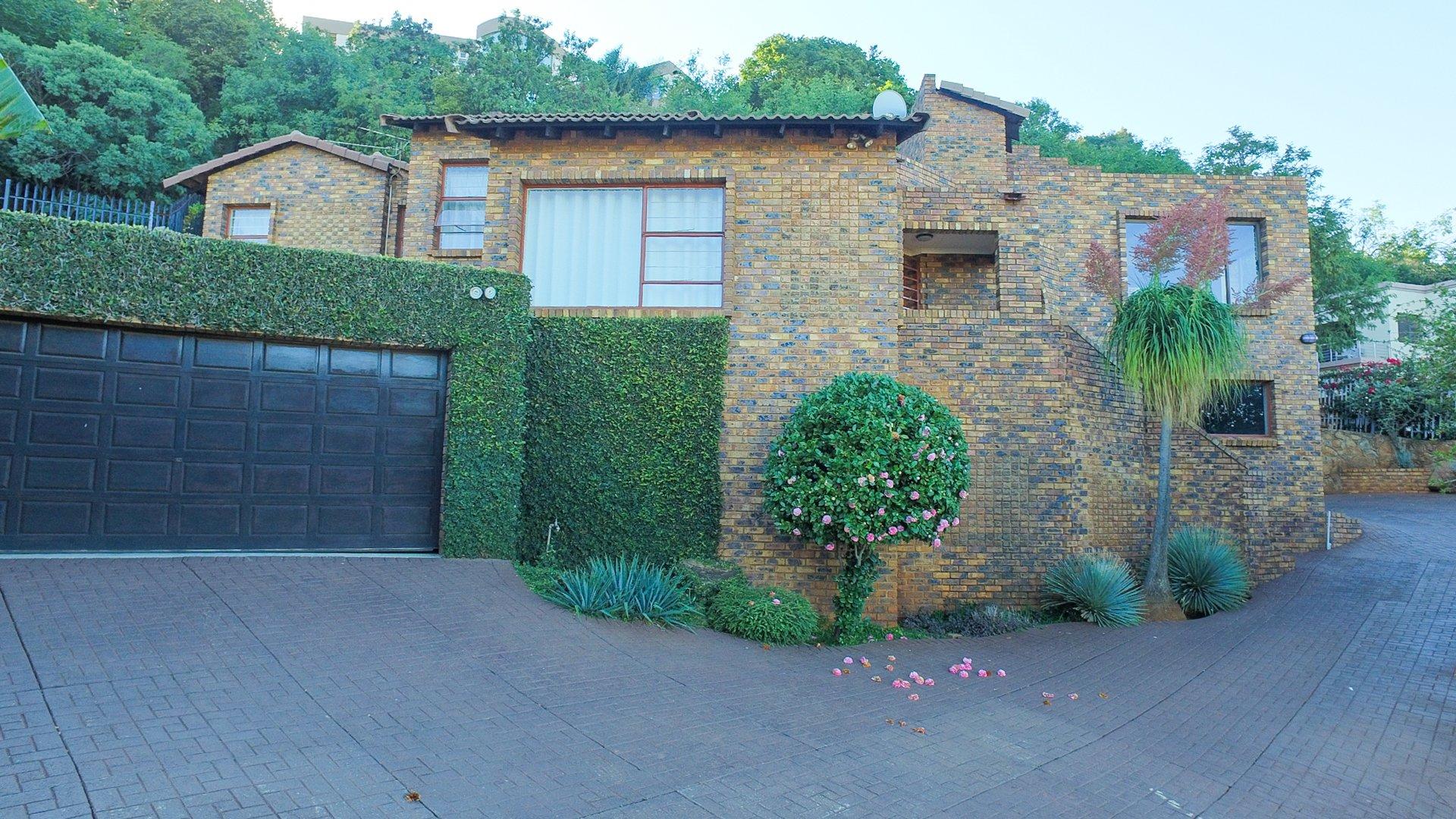Johannesburg, Glenvista Property  | Houses For Sale Glenvista - Page 4, Glenvista, House 3 bedrooms property for sale Price:2,300,000