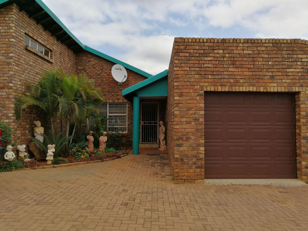 Pretoria, Montana Park Property  | Houses For Sale Montana Park, Montana Park, Townhouse 3 bedrooms property for sale Price:POA