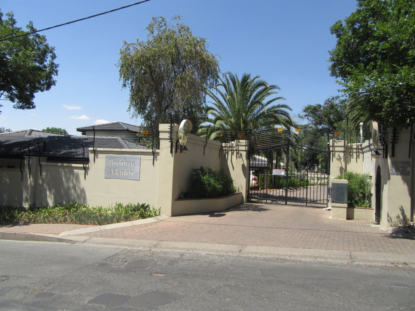 Bryanston property to rent. Ref No: 13553051. Picture no 32